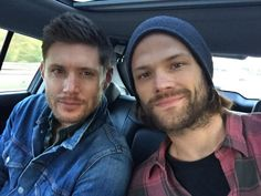 Jared Padalecki @jarpad  Me and @JensenAckles had the best day with everybody at #Asylum14 can't wait to see Yall tomorrow!!