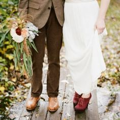 Autumn wedding inspiration with cranberries and wheat (image via Green Wedding Shoes)