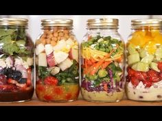 Mason Jar Salad Recipes 4 Ideas for Salads In A Jar Are you a salad junkie Here s a delightful recipe for you which can satisfy all your salad cravings What makes it super cool is nbsp hellip Ideas and Crafts For Women Mason Jar Meals, Meals In A Jar, Pot Mason, Mason Jars, Healthy Salads, Healthy Eating, Healthy Recipes, Healthy Lunches, Yummy Recipes