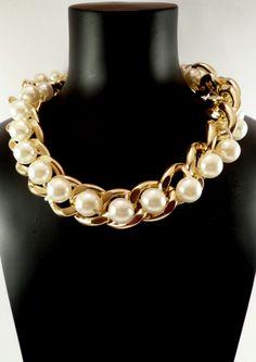 Collar Cadena dorada Perlas Grandes. 4,45€