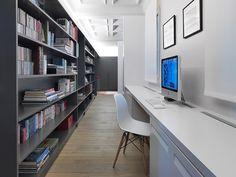 piso-oeste-paula-rosales-more-co-moreco-escritorio-biblioteca-office-eames