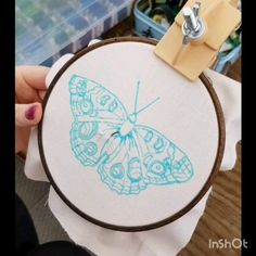 Video tutorial on butterfly thread painting. Georgie K Emery embroidery Butterfly Embriodery Simple Embroidery Designs, Hand Embroidery Projects, Floral Embroidery Patterns, Hand Embroidery Videos, Hand Embroidery Flowers, Creative Embroidery, Hand Embroidery Stitches, Crewel Embroidery, Embroidery Hoop Art