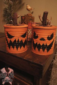 I am a huge coffee fan! I seriously live on that delicious stuff. Needless to say, I have a ton of coffee cans laying around and I love doing crafts with them. Here is my coffee can Jack o' lantern. Fun Halloween Crafts, Diy Halloween Decorations, Vintage Halloween, Holiday Crafts, Fall Crafts, Halloween Ideas, Halloween 2015, Halloween Birthday, Easter Crafts