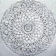 cuadros mandalas y rosetones birmanos, en tienda delier puedes ver este original roseton tallado artesanalmente, perfecto para decorar con elegancia