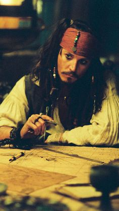 Stunning 💖 Jack Sparrow is sweeeeeet Young Johnny Depp, Here's Johnny, Caribbean Jacks, Pirates Of The Caribbean, Captain Jack Sparrow, Johnny Depp Pictures, Johny Depp, Rory Williams, Pirate Life