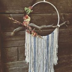 The Juliet Dream Catcher. I love the driftwood dream catcher💕 Dreamcatchers, Craft Projects, Projects To Try, Diy And Crafts, Arts And Crafts, Deco Boheme, Crafty Craft, Crafting, String Art