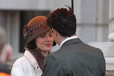 'Downton Abbey' Spoiler: Has Lady Mary Crawley Finally Chosen A New Man? (PICTURES)