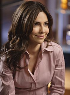 """LAS VEGAS -- """"White Christmas"""" Episode 8 -- Aired -- Pictured: Vanessa Marcil as Samantha """"Sam"""" Jane Get premium, high resolution news photos at Getty Images Vanessa Marcil, Hollywood Actresses, Actors & Actresses, Las Vegas Tv Series, Sandra Bernhard, Medium Layered Hair, Vintage Beauty, Face Shapes, Cool Hairstyles"""
