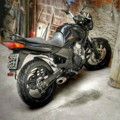 Yamaha 250, Motorcycle, Vehicles, Yamaha Fazer, Volvo Trucks, Model Airplanes, Homemade Tools, Yamaha Motorcycles, Motorbikes