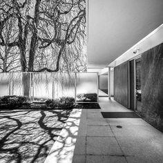 J. Irwin Miller Residence - Eero Saarinen - 1957. Landscape architecture by Dan Kiley