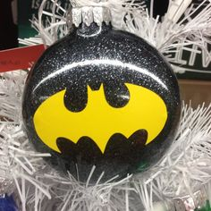 Holiday Christmas Tree Ornament Marvel Comic Superhero Batman Designed by Bri's Crafts & Things, these fun holiday ornaments are thin, round bulbs filled with lots of sparkle and vinyled with your favorite superhero! Ornaments measure about 3 Vinyl Ornaments, Glitter Ornaments, Diy Christmas Ornaments, Diy Christmas Gifts, Holiday Crafts, Christmas Holidays, Christmas Bulbs, Ornaments Ideas, Christmas Windows