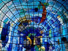Vidrieras del Museo Art Nouveau y Art Déco Casa Lis. Fotografía: Imagen M. Art Nouveau, Art Deco, Casa Lis Salamanca, Paintings I Love, Outdoor Art, My Favorite Color, Wonderful Places, Art Museum, Stained Glass