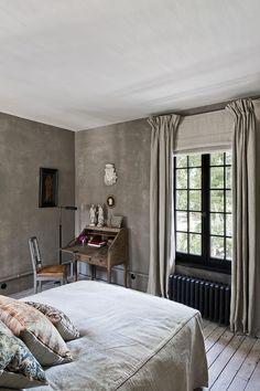 D co chambre t te de lit peinture gris anthracite coussin for Chambre belge des traducteurs