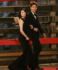 Lee Joon Gi and Lee Ji Eun (IU) at SAF SBS Drama Awards 2016; Best Couple, Scarlet Heart Ryeo #JoonU #SoSoo #SoHae