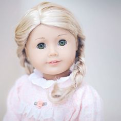 I just love the way this doll has been photographed.