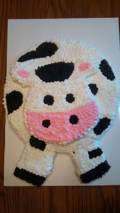 Cow cake - I like the head part and maybe I'd just put a cow head on a sheet cake to make it simple?