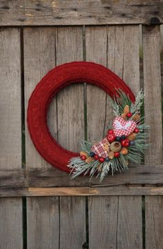 Christmas, wreaths, garlands, and ornaments, La Casa Cactus Christmas Diy, Christmas Wreaths, Cactus, Ornaments, Garlands, Knitting, Holiday Decor, Outdoor Decor, Pattern