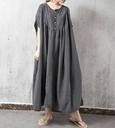 【Fabric】 Linen, cotton 【Color】 gray 【Size】 Shoulder width is not restricted Bust 198cm / 77 Clothing length 115cm / 45 Hem 258cm / 101 Have any questions please contact me and I will be happy to help you.