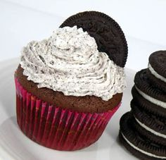 These are delicious, just in case there was any doubt!  Oreo Cupcakes