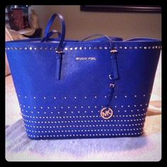 Michael Kors MK Jet Set Studded Tote Handbag Brand new, large jet set tote, Price reflects what I'll make if the bag is purchased Michael Kors Bags Totes