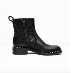 The Zadig et Voltaire are the perfect new boots for this Fall!  Fashion  .  ChaussureBottes ... d37b0af3726