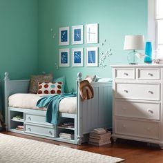 Love all the shades of blue in this room!