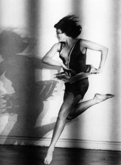 Lotte Jacobi ¦ The dancer Claire Bauroff, Berlin, 1928