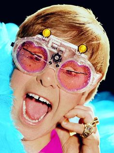 Yes this is Elton John..and yes those are his famous windshield wiper glasses...year 1970