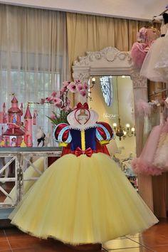Disney Princess Costumes, Disney Princess Tattoo, Disney Princess Party, Disney Princess Dresses, Baby Girl Birthday Dress, Baby Dress, Snow White Dresses, Snow White Birthday, Girls Dance Costumes