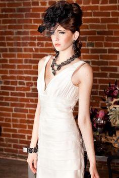 dramatic bride style    siegel thurston photography