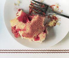 Rhubarb Strawberry Pudding Cake