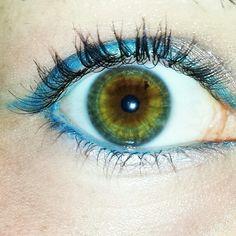Aqua blue eyeliner with hazel eyes #makeup #eyes