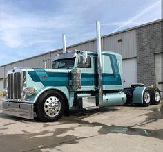#peterbiltPeterbilt 389 Big Rig Trucks, Semi Trucks, Cool Trucks, Peterbilt 359, Peterbilt Trucks, Chevy Trucks, Custom Big Rigs, Custom Trucks, Model Truck Kits
