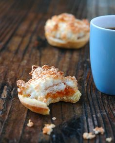 Jam-and Coconut Tarts to some, but here in SA we call them Hertzoggies. Jam and Coconut tarts have a direct link to South African history. Southern Cooking Recipes, Easy Cooking, Coconut Recipes, Baking Recipes, Apple Recipes, Cake Recipes, Crunchie Recipes, South African Desserts, Coconut Tart