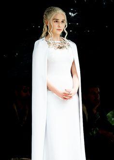Emilia Clarke as Daenerys Targaryen - Khaleesi