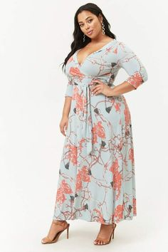 Forever 21 Plus Size Flowy Surplice Maxi Dress This dress is beautiful and it looks so comfortable. Dresses, Active Wear and Leggings are life! Plus Size Fashion // Plus Size Dresses Cute Floral Dresses, Plus Size Maxi Dresses, Plus Size Outfits, Curvy Fashion, Plus Size Fashion, Womens Fashion, Fashion Edgy, Big Size Dress, Plus Size Beauty