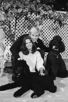 JACLYN SMITH WITH HER 2 BLACK STANDARD POODLES.  Charlies Angels days.