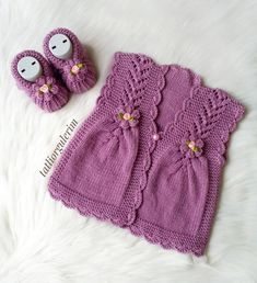 This Reminds Me Of Haruhi's Sw - Qoster - arianna Kids Knitting Patterns, Knitting Designs, Easy Crochet, Crochet Baby, Crochet Keychain Pattern, Baby Pullover, Toddler Girl Style, Baby Vest, How To Wear Scarves
