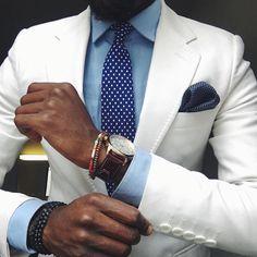 2017 Slim Fit White Mens Suit Tuxedo 2 Piece Casual Beach 2018 Wedding Tuxedo For Groom men Best terno masculino (Jacket+Pants) Style Gentleman, Der Gentleman, Fashion Moda, Suit Fashion, Mens Fashion, Blue Fashion, Daily Fashion, Fashion Dresses, Sharp Dressed Man