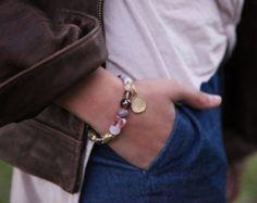 Howlite Stone bracelet, LIGHT BLUE bracelet, Beaded Bracele, howlite stone, howlite Bracele, Turquoise Bangle, bangle bracelet LIGHT BLUE bracelet, Beaded Bracele, howlite stone, howlite Bracele, Turquoise Bangle bangle bracelet, Howlite bracelet, Healing bracelet, Green Stone Bracelet, beads Stone bracelet, Natural Bracelet, Natural Stone, relaxing bracelet  This lovely gemstone stretch bracelet ,  This beautiful bracelet whit howlite stone  the howlite stone is a relaxing stone…