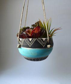 T R I B A L : ceramic hanging planter di mbundy su Etsy