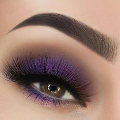 If you want to transform your eyes and also improve your attractiveness, finding the best eye make-up ideas can really help. You want to be sure to put on make-up that makes you look even more beautiful than you already are. Purple Eye Makeup, Makeup Eye Looks, Eye Makeup Art, Eye Makeup Tips, Smokey Eye Makeup, Makeup Goals, Eyeshadow Makeup, Makeup Inspo, Makeup Style