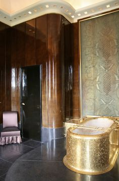 The bathrooms were designed by August Labouret in pure Art Deco style Classical Interior Design, Classic Interior, Masculine Bathroom, Art Deco Bathroom, Gold Interior, Art Deco Era, Agatha Christie, Beautiful Bathrooms, Art Deco Fashion