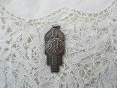 Vintage sporting medal/pendant by Nkempantiques on Etsy