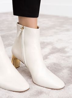 Leather ankle boots - Ankle Boots and Boots - Footwear - Uterqüe Spain