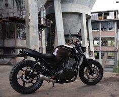 Honda CB500 1997 Street Tracker by Free Ride Motos #motorcycles #streettracker #motos | caferacerpasion.com