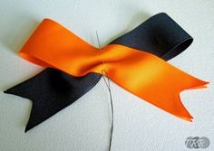 Two-Toned Cheer Bow - The Ribbon Retreat Blog
