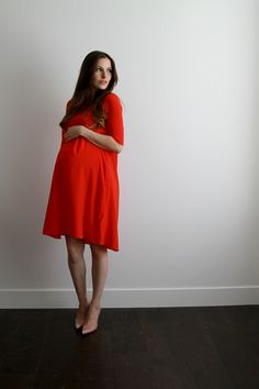 Supplies: to 2 yards of a med to light weight flowy fabric (can be woven or knit) Dress or top you can trace the armholes around scis. Flowy Maternity Dress, Maternity Dress Pattern, Maternity Sewing Patterns, Maternity Fashion, Dress Patterns, Maternity Style, Nursing Dress, Diy Dress, Swing Dress