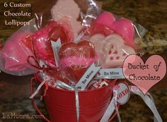 Order individual lollipops or get a cute bouquet. LaHuera.com