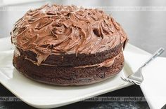 This recipe yields one cake. Includes recipe for Vegan Chocolate Buttercream Frosting. Best Nutella Recipes, Vegan Dessert Recipes, Cupcake Recipes, Kid Recipes, Bolo Vegan, Vegan Cake, Food Cakes, Vegan Chocolate, Chocolate Cake